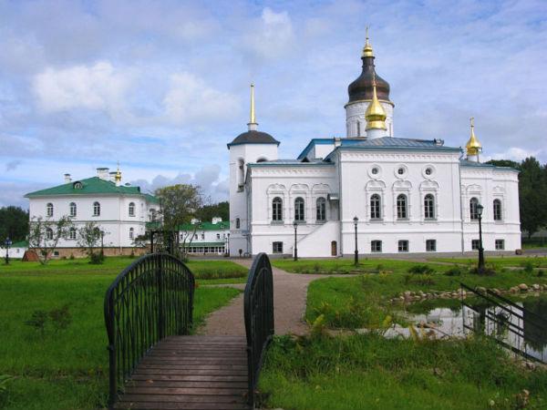 Картинки по запросу псков елизаровский монастырь