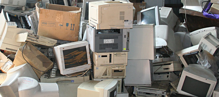 Вывоз техники и опасных отходов в Калининграде