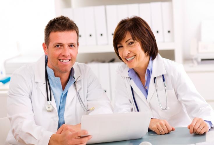 В какой поликлинике можно пройти бесплатное лечение в Калининграде?