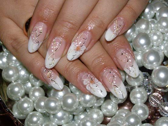 Где найти курсы по ногтевому сервису в Калининграде?