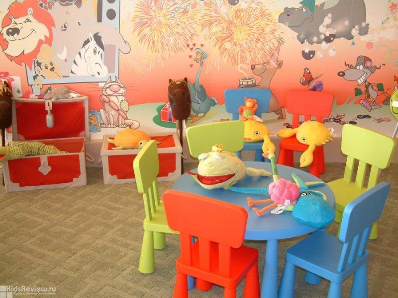 Какие развлекательные центры имеют кафе с детской комнатой в Калининграде?